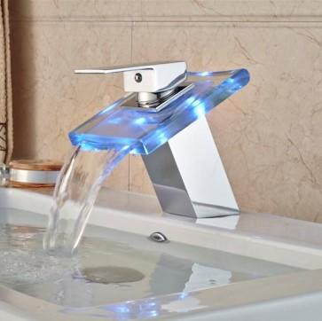 LED kopalniška armatura v obliki slapa