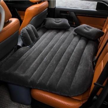 Napihljiva prenosna vzmetnica za spanje v avtomobilu