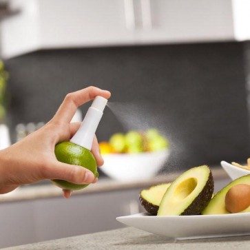 Pršilec svežih sokov iz citrusov