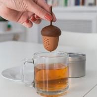 Čajni cedilnik v obliki želoda
