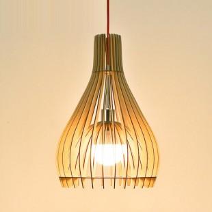 Viseča svetilka iz naravnega materiala