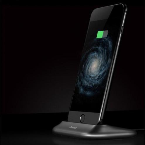 Iphone polnilna namizna postaja