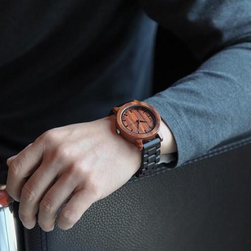 Luksuzna lesena zapestna ura