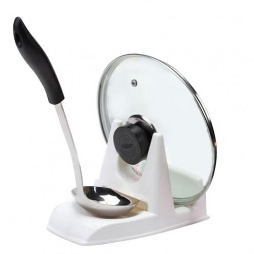 Držalo za pokrovko posode in kuhalnico ali zajemalko