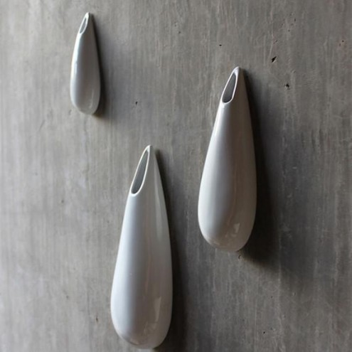 Set keramičnih vaz, ki se pritrdijo na steno